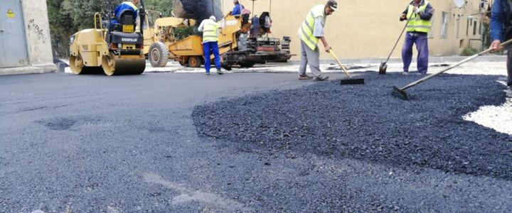 Au început lucrările de asfaltare în zona Crinului (19.09.2019) – galerie foto